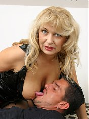 This mature slut really loves a good cock